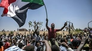 Demonstrators in Sudan have kept up protests outside army headquarters in Khartoum even after the military toppled Omar al-Bashir on April 11