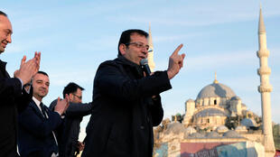 أكرم إمام أوغلو أثناء حملته الانتخابية لرئاسة بلدية إسطنبول 28 مارس/آذار 2019