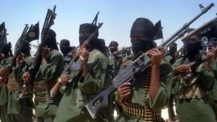 Des combattants du groupes islamiste somalien Shebab.
