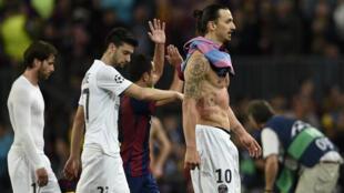 L'attaquant du PSG Zlatan Ibrahimovic après la défaite de son équipe.