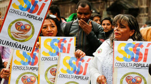 Colectivos afines al gobierno del presidente Lenín Moreno inician  la campaña electoral para la consulta popular del próximo 4 de febrero.