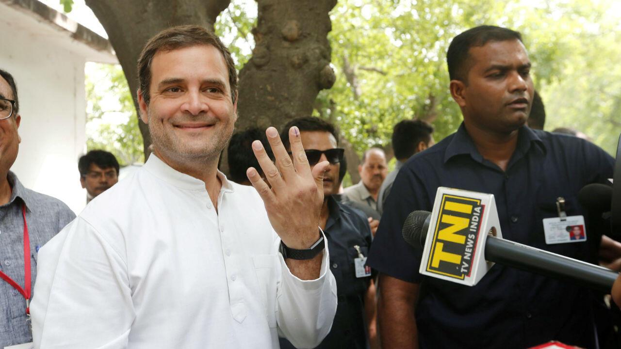 Rahul Gandhi, candidato de la oposición y líder del Partido del Congreso, después de votar en Nueva Delhi. 12 de mayo de 2019.