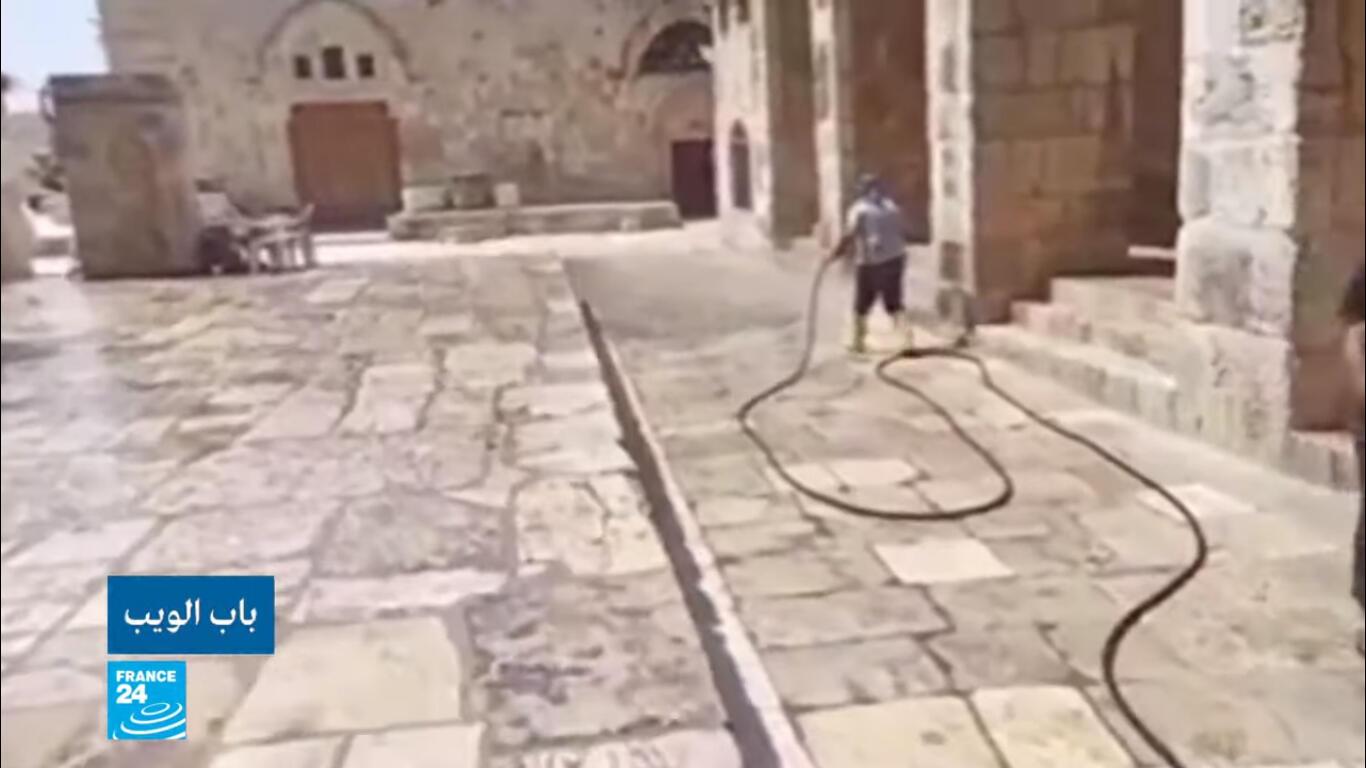 استعدادات في المسجد الأقصى لإعادة فتحه أمام المصلين