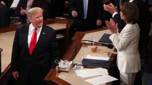 """La présidente démocrate de la Chambre des représentants, Nancy Pelosi, s'est toujours montré réticente à ouvrir une procédure d'""""impeachment"""" contre Donald Trump."""