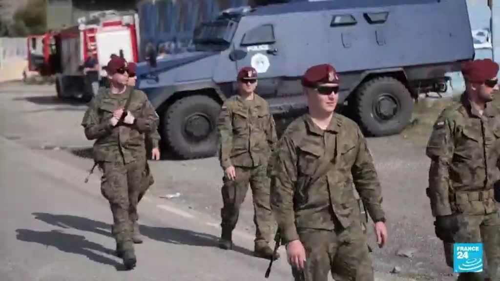 2021-09-28 08:11 Tensions entre le Kosovo et la Serbie : Belgrade déploie des blindés près de la frontière commune