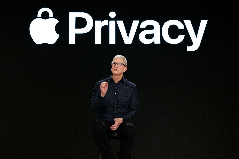 060821-apple-privacy-m