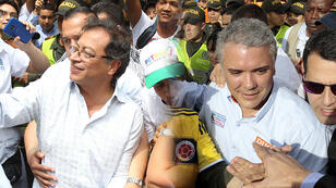 Los candidatos a la presidencia de Colombia, Gustavo Petro e Iván Duque, realizan actos de campaña en Cali y Manizales respectivamente. EFE