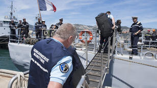 تشمل منطقة البحث عن حطام الطائرة مواقع يصل عمقها إلى 3000م
