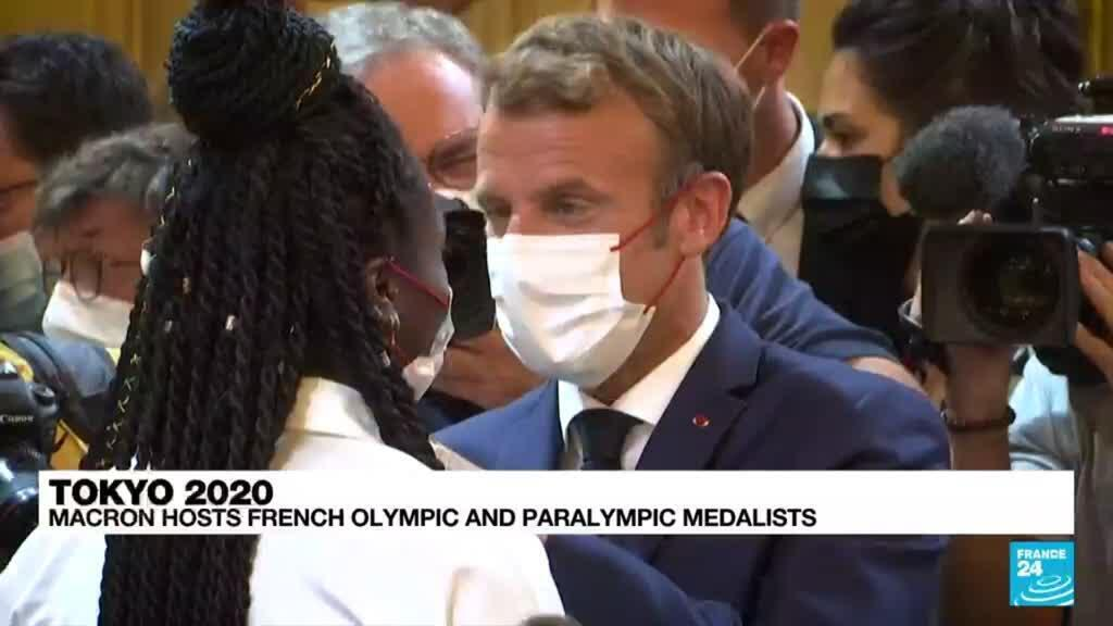 2021-09-14 09:38 Tokyo 2020: French President Macron hosts olympic and paralympic medalists