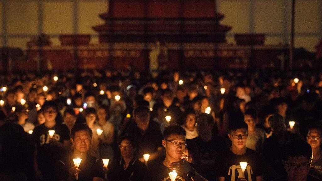 Veillée aux chandelles à Hong Kong pour commémorer le 29e anniversaire de la répression de Tiananmen.