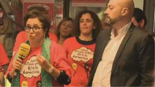 Les salariés de Radio Catalunya s'opposent à la nomination d'une nouvelle direction par Madrid, le 23 octobre 2017.