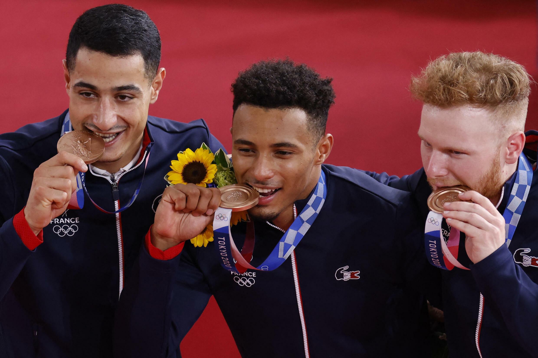 Rayan Helal, Florin Grengbo et Sebastien Vigier ont remporté la médaille de bronze en cyclisme sur piste dans l'épreuve de vitesse par équipes.