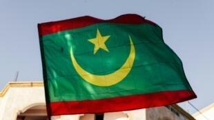 علم موريتانيا في نواكشوط في 02 نيسان/ابريل 2019