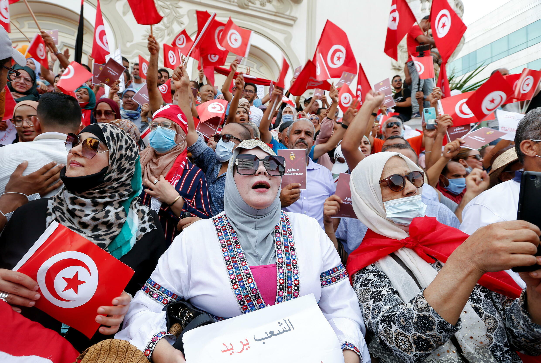 2021-09-26T105811Z_1740472059_RC2MXP9J2HLC_RTRMADP_3_TUNISIA-POLITICS