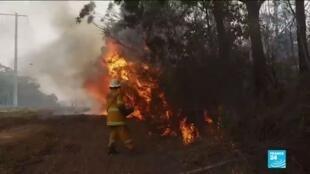 2020-01-09 10:12 Feux en Australie : les militaires exhortent les habitants à évacuer