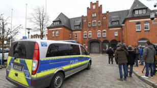 Carles Puigdemont est maintenu en détention dans la prison de Neumünster, en Allemagne.