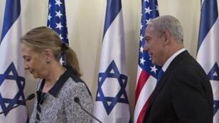 Hillary Clinton et Benjamin Netanyahou,  le 20 novembre, à Jérusalem