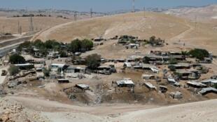 مشهد عام لقرية خان الأحمر البدوية في الضفة الغربية المحتلة في 5 تموز/يوليو 2018