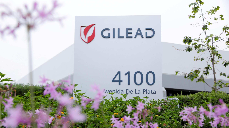 ARCHIVO: La compañía farmacéutica Gilead Sciences Inc. es vista después de anunciar un ensayo de fase 3 del medicamento antiviral de investigación Remdesivir en pacientes con enfermedad coronavirus grave, Oceanside, California, EE.UU., 29 de abril de 2020