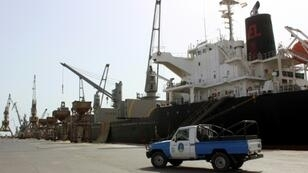 Yemen's Huthis handed over security of key Red Sea ports to a coastguard last month and there has been no rebel military presence since, according to the head of a UN verification mission