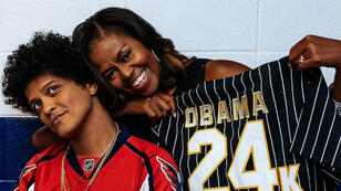 Bruno Mars et Michelle Obama après le concert du chanteur à Washington D.C., le 29 septembre 2017.