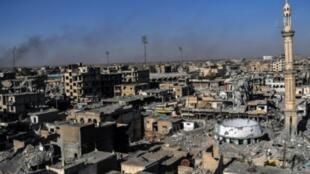 منطقة الملعب البلدي في الرقة حيث تخوض قوات سوريا الديمقراطية معاركها الأخيرة للسيطرة بالكامل على المدينة.