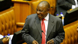 El presidente de Sudáfrica, Cyril Ramaphosa, llega al parlamento, en Ciudad del Cabo, el 15 de febrero de 2018.