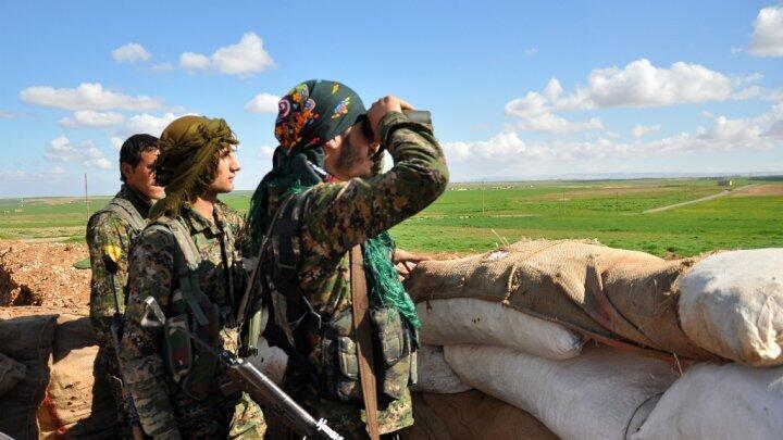 """تعتبر أنقرة وحدات حماية الشعب الكردية منظمة """"إرهابية"""""""