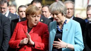 Angela Merkel et et Theresa May lors du sommet européen de février à Valletta.