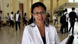 En un an, quelque 9 000 médecins cubains employés à l'étranger ont dû rentrer chez eux après l'annulation de leurs contrats. Un coup dur pour l'économie de l'île.