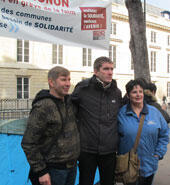 Gatignon (centre) poses with two Sevran residents, Daniel Moret (left) and Katherine Troalen (right). © Rachel Holman