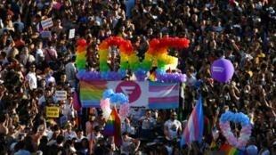 La marche des fiertés LGBT à Madrid, le 6 juillet 2019 en Espagne