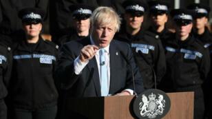 Le Premier ministre britannique Boris Johnson répond aux questions des journalistes, le 5septembre2019 à Wakefield(nord de l'Angleterre).