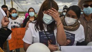La hermana de Keyla Martínez, una enfermera que fue hallada muerta en un celda de la cárcel de La Esperanza, Honduras, el 12 de febrero de 2021