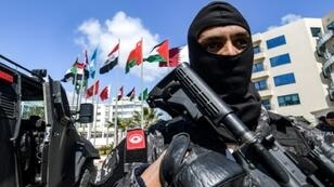 رجل أمن تونسي في العاصمة