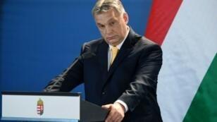 رئيس الوزراء المجري فيكتور اوربان في مؤتمر صحافي في 10 نيسان/ابريل 2018 في بودابست