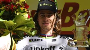 Peter Sagan célèbre sa victoire sur la 16e étape du Tour de France.