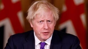 رئيس الوزراء البريطاني بوريس جونسون في وسط لندن في 2 كانون الأول/ديسمبر 2020