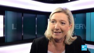 """Marine Le Pen trouve """"injuste"""" de demander aux Français musulmans de s'excuser pour les """"actes barbares"""" de l'EI."""