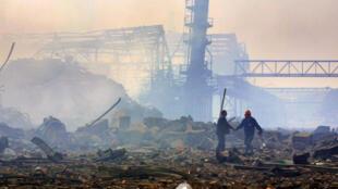 Le site de l'explosion de l'usine AZF au sud de Toulouse, le 21 septembre 2001.