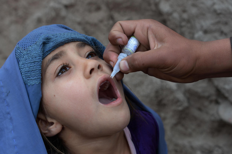 Las campañas de erradicación de la poliomielitis y otras campañas médicas en Afganistán se han suspendido debido al coronavirus.