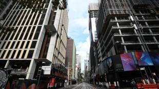 Una calle prácticamente desierta del distrito financiero de Sídney el 14 de mayo de 2020