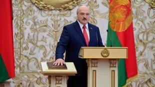 El presidente de Belarús, Alexander Lukashenko, durante su ceremonia de posesión para un sexto mandato consecutivo, pese a las masivas protestas y denuncias de presunto fraude. En Minsk, Belarús, el 23 de septiembre de 2020.