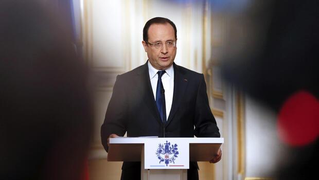 El presidente francés, Francois Hollande, habla durante una conferencia de prensa en el Palacio del Elíseo en París el 10 de abril de 2013.