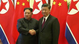 Kim Jong-un a rencontré Xi Jinping au Palais du peuple de Pékin, lors d'une visite en Chine du 25 au 28mars.