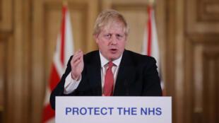 """Boris Johnson a fait état de """"l'accélération"""" de la pandémie qui a fait 281 morts au Royaume-Uni, dans une conférence de presse donnée le 22 mars 2020."""