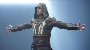 """Michael Fassbender, héros du film """"Assassin's Creed"""" adapté du jeu vidéo, au cinéma le 21 décembre 2016."""