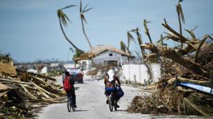 093410-000-A_Bahamas