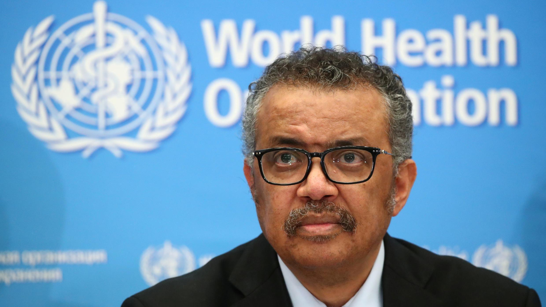El Director General de la OMS, Tedros Adhanom Ghebreyesus, asiste a una conferencia de prensa sobre el coronavirus en Ginebra, Suiza, el 24 de febrero de 2020.