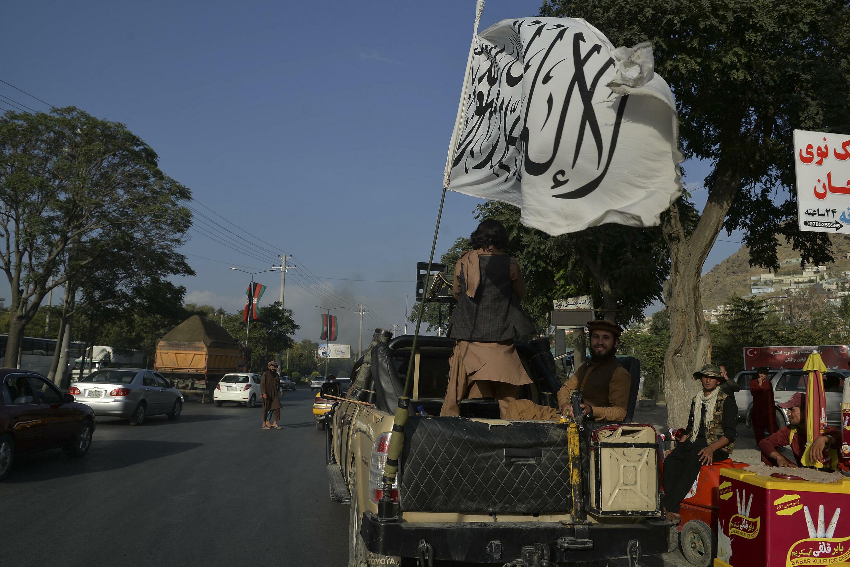 La vue de combattants talibans dans des véhicules de cette norme a intimidé les gens à travers l'Afghanistan ces dernières semaines